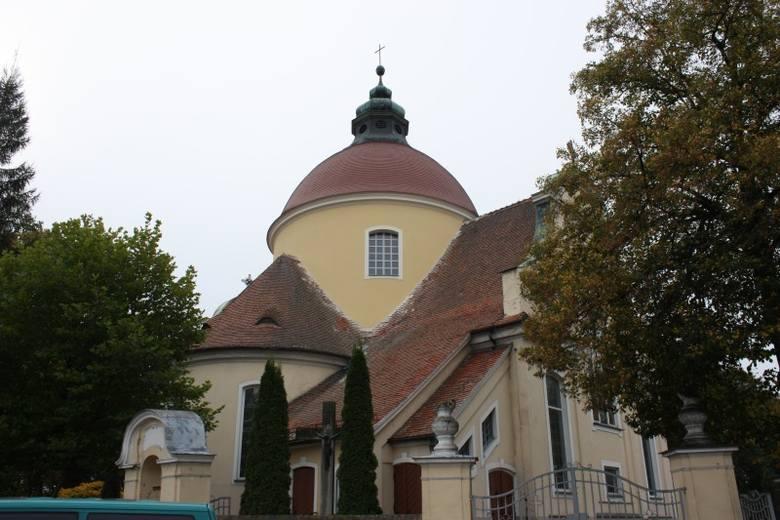 8600 zł na wymianę dachu i remont ścian zewnętrznych otrzymał kościół parafialny pw. Świętej Trójcy w Bogacicy.