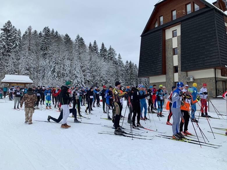 200 miłośników biegania na nartach rywalizowało w sobotę na trasach biegowych w Mucznem. To rekordowa frekwencja na zawodach, które odbywają się w ramach