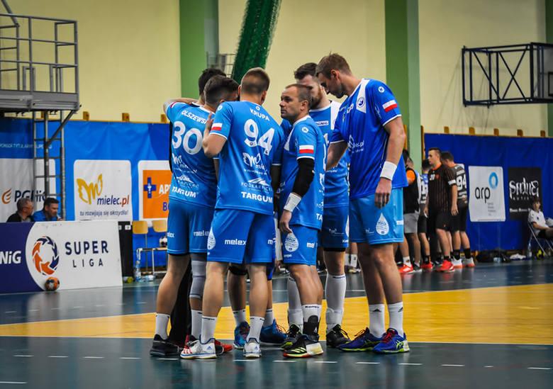 Piłkarze ręczni SPR Stali Mielec zdali ostatni egzamin. Sparingi dają nadzieję