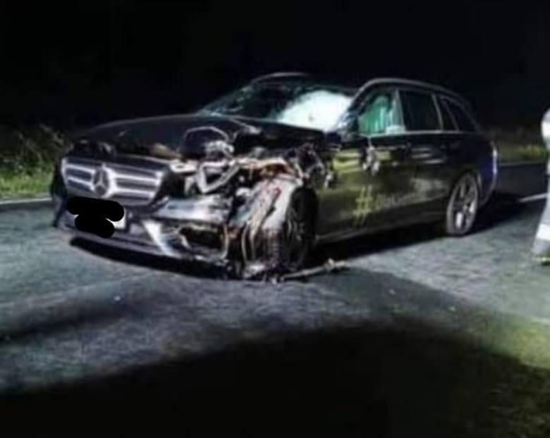 Do tragicznego wypadku doszło w poniedziałek około godz. 22 na drodze wojewódzkiej nr 196 pomiędzy Sławą Wielkopolską i Skokami. W zderzeniu auta osobowego