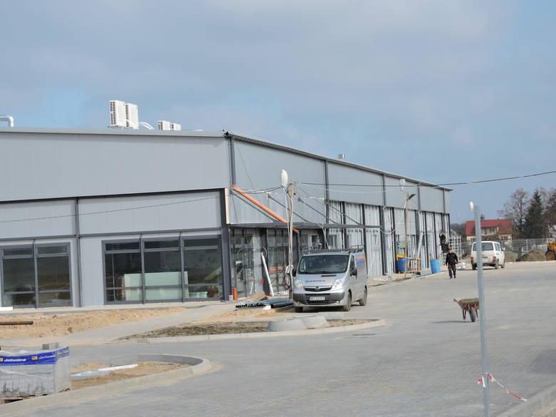 - Otwarcie zakładu nastąpi na przełomie czerwca-lipca tego roku. Linia produkcyjna będzie najnowocześniejszą tego typu inwestycją w Europie. Dokładna
