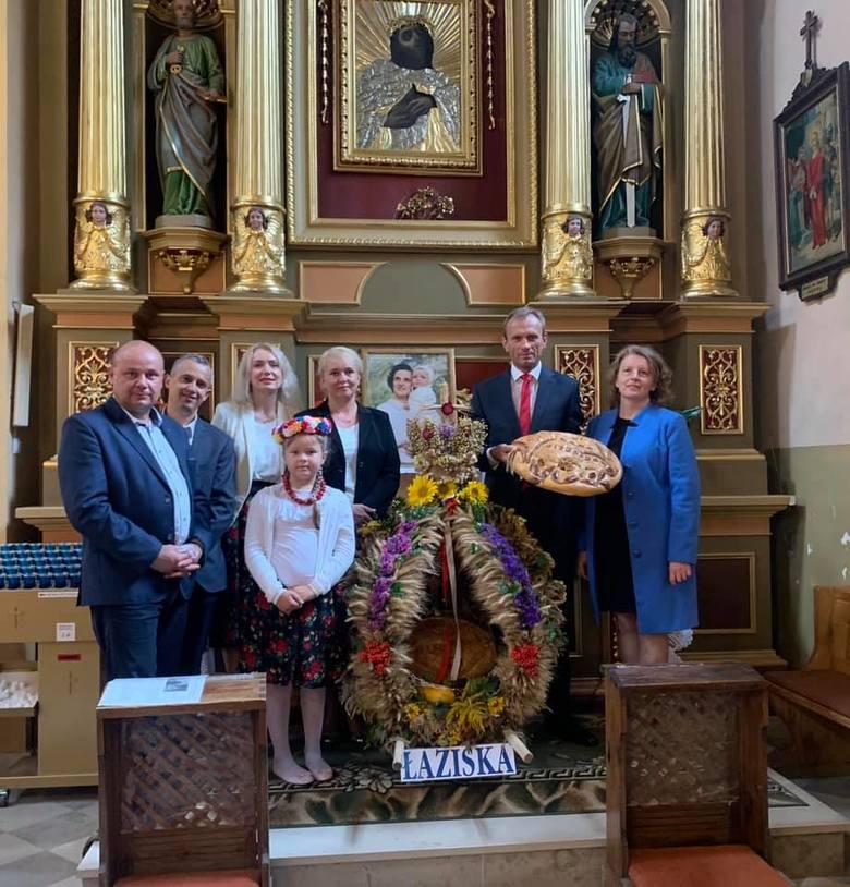 W niedzielę, 6 września odbyły się Dekanalno - Gminne Dożynki w Piekoszowie. Podczas uroczystej mszy dziękowano za plony oraz dziękowano rolnikom za