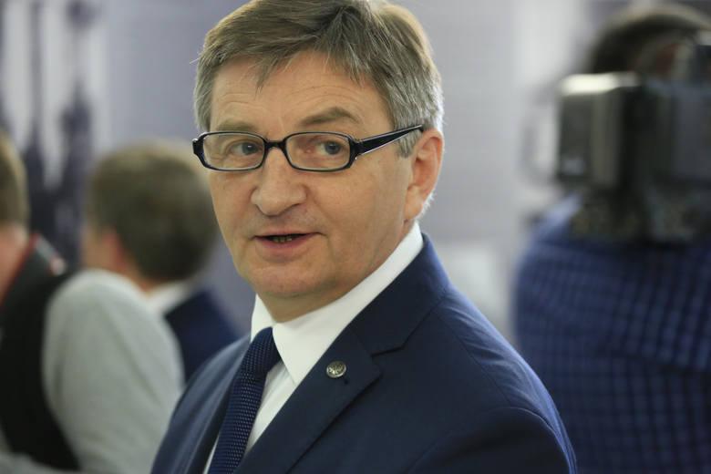 Mieczysław Miazga, poseł PiS, deklaruje majątek wart ponad 2,1 mln złotych. To przede wszystkim oszczędności.