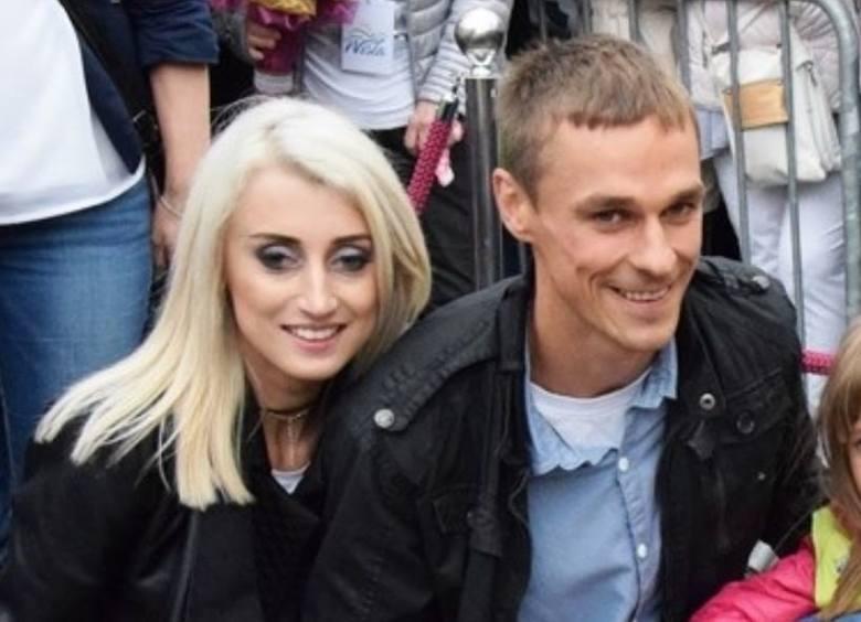 Piotr Żyła w 2006 roku poślubił piękną Justynę Lazar, kuzynkę Adama Małysza. Para pobrała się bardzo wcześnie, bo w wieku zaledwie 19 lat. Przez kilka