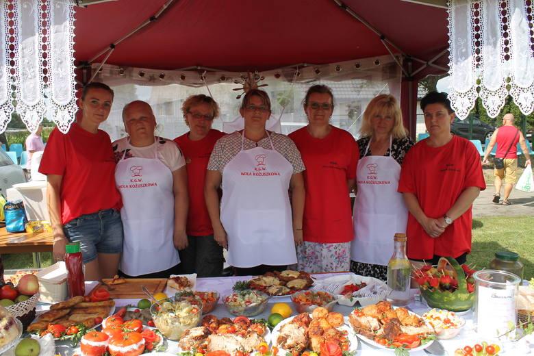 Bardzo udany okazał się tegoroczyny, XVII Wielki Festyn Pomidorowy, który odbył się minionej niedzieli w Jeziorach Wielkich. Impreza przyciągnęła tłumy