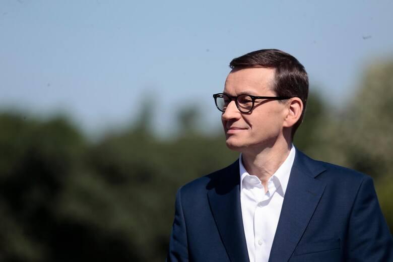 """Premier Mateusz Morawiecki reaguje na apel w sprawie kościołów. Będzie znoszenie obostrzeń. """"Chcemy, żeby była wypełniona połowa miejsc&"""