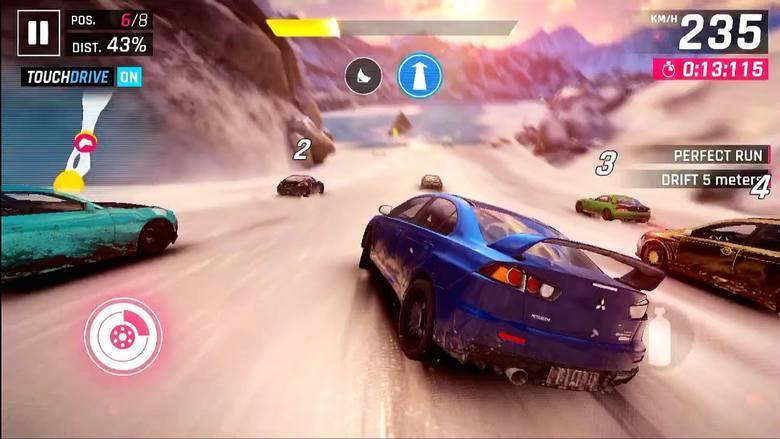 Kolejna część efektowny arcede'owych wyścigów na urządzenia mobilne. Tradycyjnie Gameloft postawił na dynamikę, a nie realizm. W produkcji znajdziemy