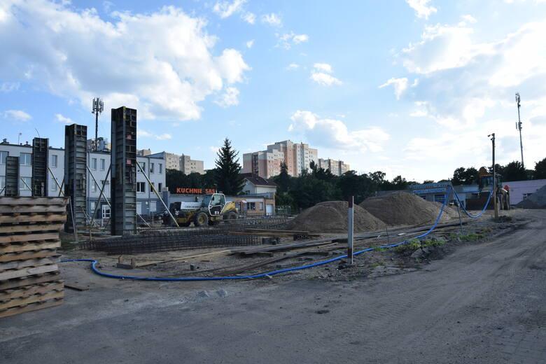Budowa nowej galerii handlowej Green Park przy ulicy Zacisze w Zielonej Górze