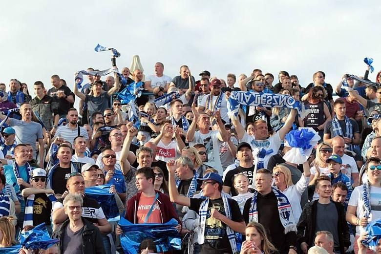Efektowną jazdę żużlowców Fogo Unii Leszno na stadionie im. Alfreda Smoczyka oglądało prawie 15 tysięcy widzów, w tym bardzo liczna grupa fanów Stelmetu