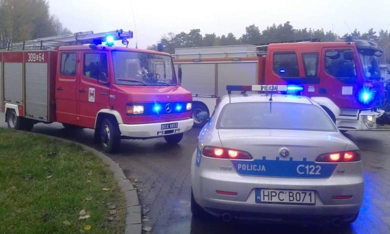 Do groźnie wyglądającego wypadku doszło dziś na drodze krajowej nr 10 między Toruniem a Bydgoszczą. W Makowiskach samochód osobowy zderzył się z ciężarówką.