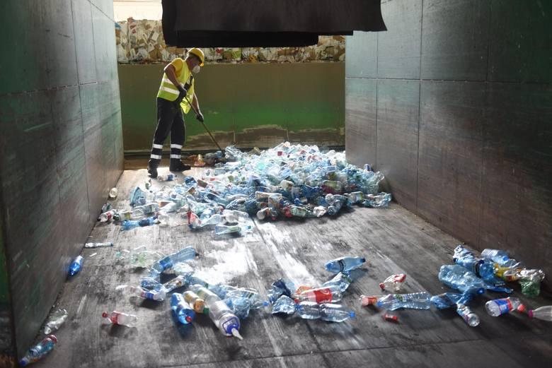 Na terenie aglomeracji poznańskiej od 1 września 2020 roku obowiązują nowe zasady w systemie gospodarowania odpadami. Segregacja śmieci jest teraz obowiązkowa