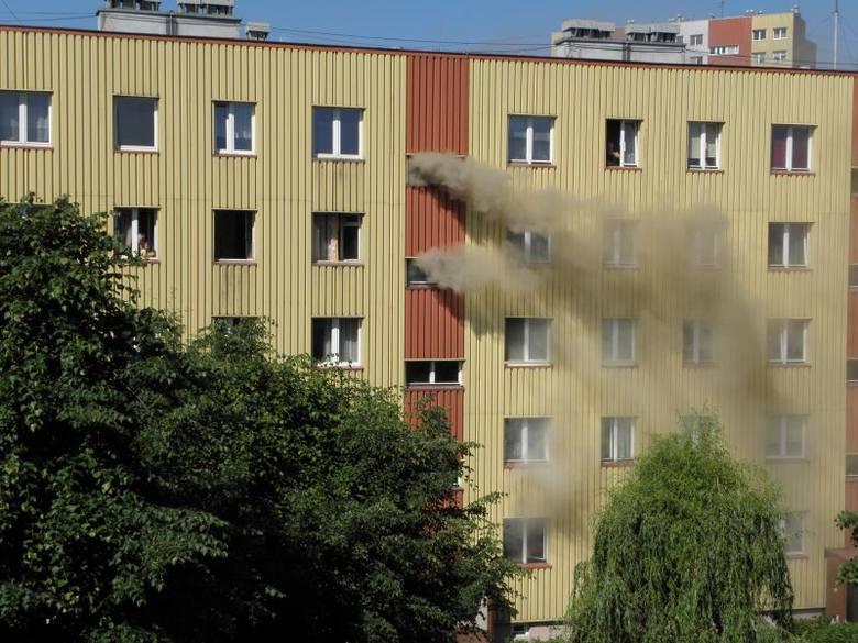 Pożar w bloku przy ul. Malczewskiego w Rzeszowie [ZDJĘCIA]