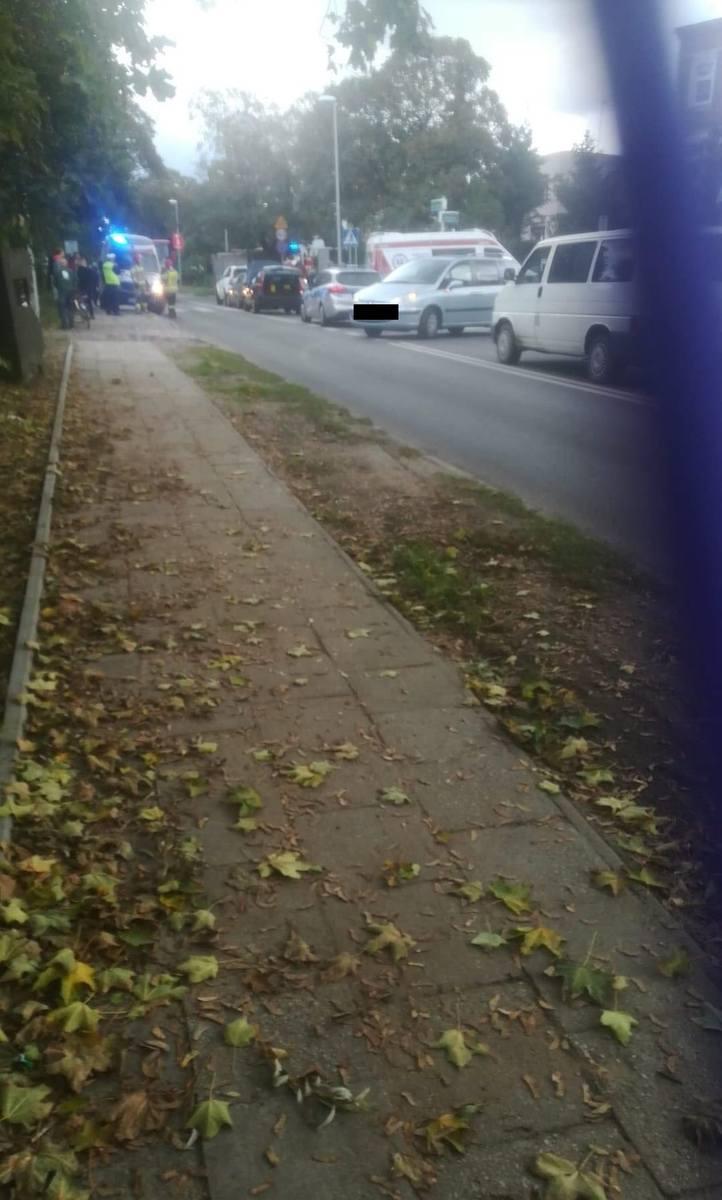 Trzy pojazdy zderzyły się na ulicy Batalionów Chłopskich [ZDJĘCIA]