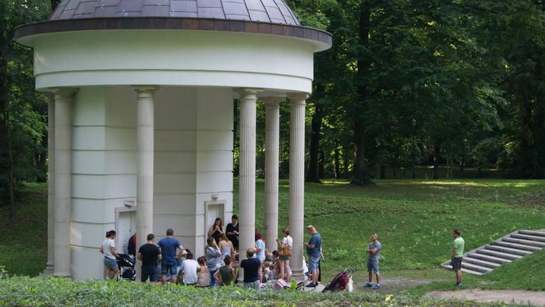 Wakacyjne spotkanie z Panią Muzyką w Parku Miejskim w Skierniewicach [ZDJĘCIA]