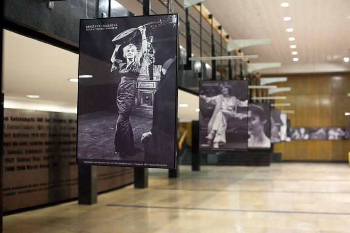 Gdańsk: Wystawa z okazji jubileuszu Krystyny Łubieńskiej w Teatrze Wybrzeże [ZDJĘCIA]