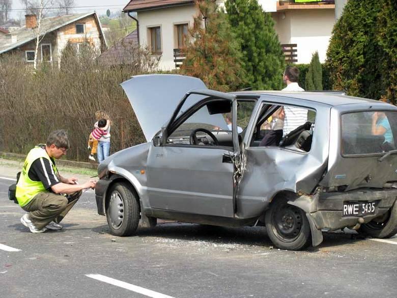 Wypadek w BrzostkuTrzy samochody zderzyly sie w czwartek w miejscowości Brzostek.