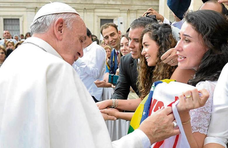 Fabiola zabrała flagę ŚDM 2016 do Watykanu...