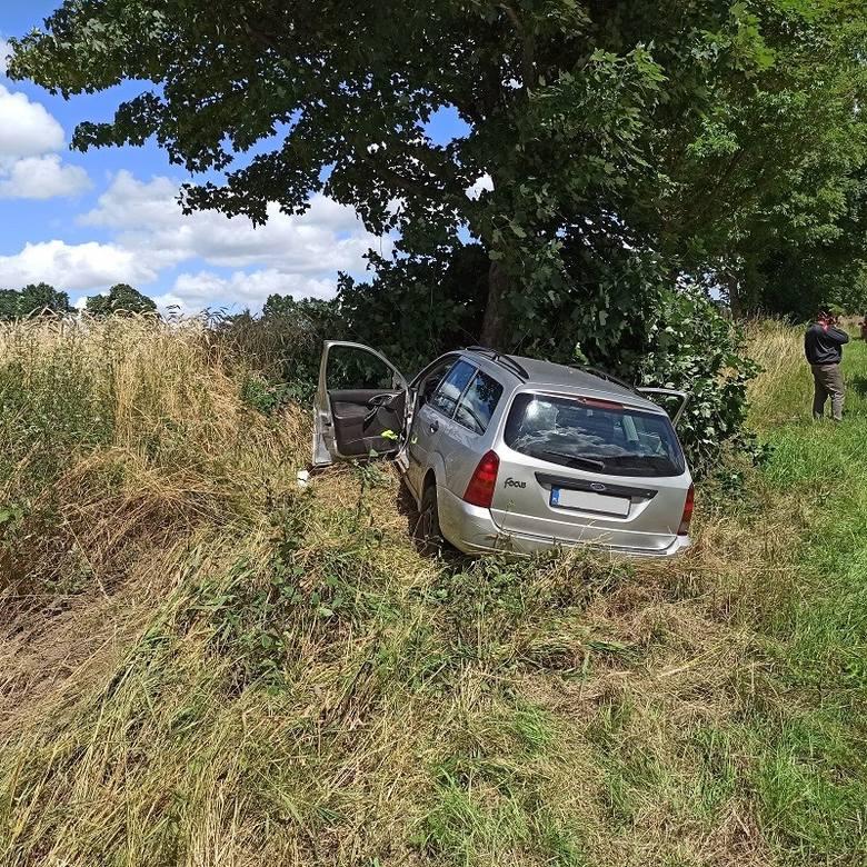 Do groźnego wypadku doszło na drodze powiatowej nr 1057 w pobliżu miejscowości Stanomino.