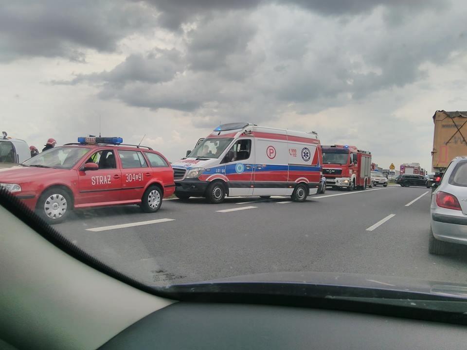 befbc5f54 Do wypadku doszło około godz. 12.30 w Ciecierzynie, na trasie Lublin -  Lubartów. - Ze wstępnych ustaleń wynika, że do zderzenia doszło, gdy  kierujący ...