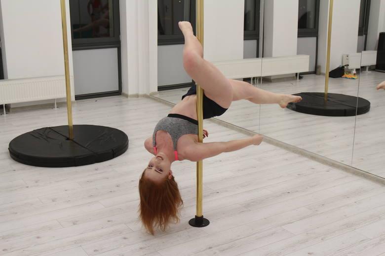 Riri Pole Dance w Dąbrowie Górniczej