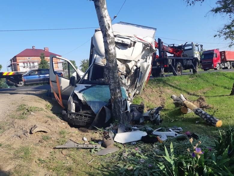 Śmiertelny wypadek w Okalinie-Kolonii. Mężczyzna z Rzeszowa zginął [ZDJĘCIA]