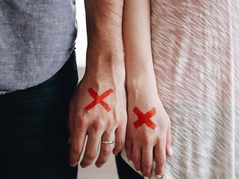 Z badań przeprowadzonych przez Główny Urząd Statystyczny wynika, że Polacy coraz częściej się rozwodzą. Sprawdziliśmy, jakie są najczęstsze przyczyny
