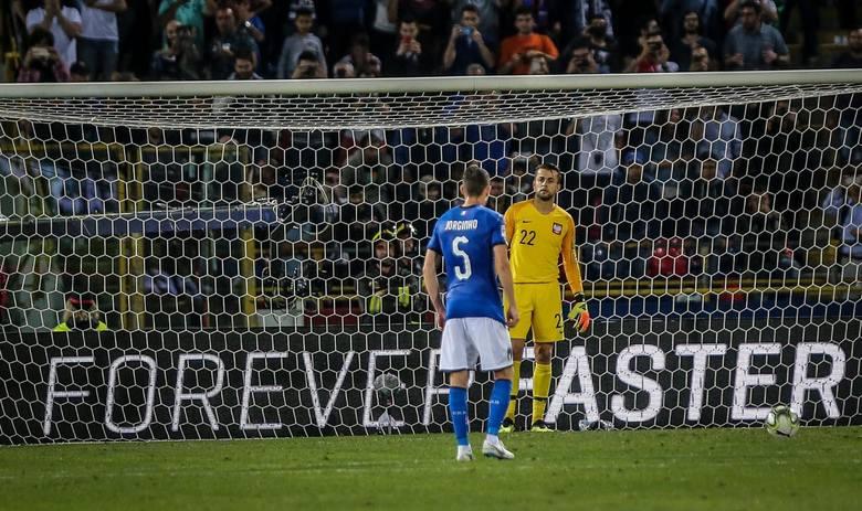 Łukasz Fabiański (West Ham United, 34 lata) - 5,5 (skala ocen 1-6)Znów wychodzi z cienia Wojciecha Szczęsnego, który leczy kontuzjowane kolano. Fabiański
