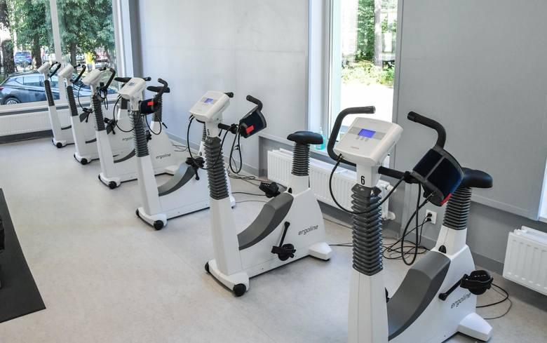 W dużej sali terapeutycznej nowo utworzonego Centrum Rehabilitacji przy Wielospecjalistycznym Szpitalu Miejskim w Bydgoszczy znajduje się sprzęt do trójwymiarowej rehabilitacji, oparty o technologię stworzoną przez NASA, jak np. spacecurl czy bieżnia antygrawitacyjna.