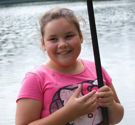 Paulina Buchalska w ciągu 1,5 godziny złowiła 15 ryb i wygrała dziecięce zawody wędkarskie, które rozegrano w sobotnie popołudnie przy stawie na ul. Przędzalnianej.