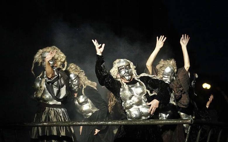 Maskarada w Rzeszowie. Zobacz zdjęcia ze spektaklu Teatru Ósmego Dnia