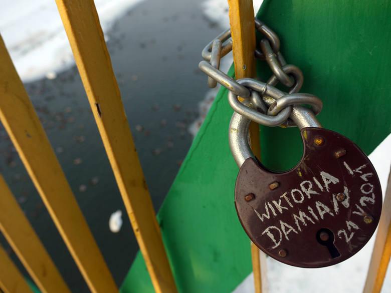 Na tym moście rzeszowianie wyznają sobie miłość [FOTO]