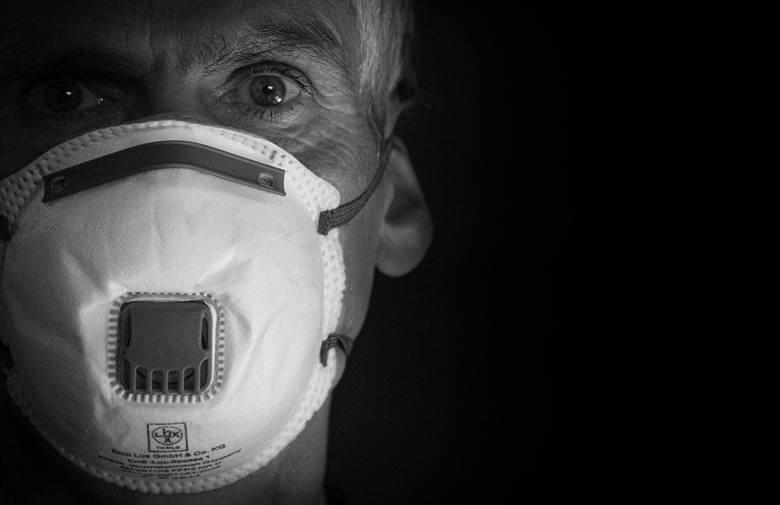 Przerażający obraz pandemii: pół miliona zgonów i 10 milionów zakażonych