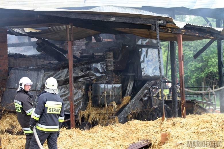 Pożar stodoły i chlewni w Kotorzu Małym. Spłonął kombajn, ranny został właściciel gospodarstwa