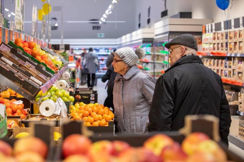 Od stycznia do marca nowego roku 7 proc. pracodawców z sektora handlu detalicznego i hurtowego zamierza zwiększać liczbę etatów, a 3 proc. planuje redukcję
