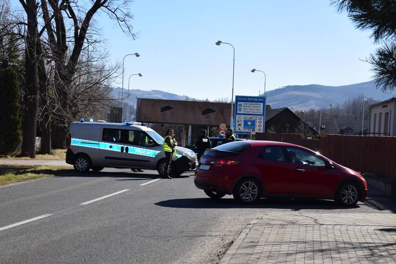 Zamknięte strefy w Czechach. Władze odcięły kordonem sanitarnym 20 miejscowości niedaleko Szumperka
