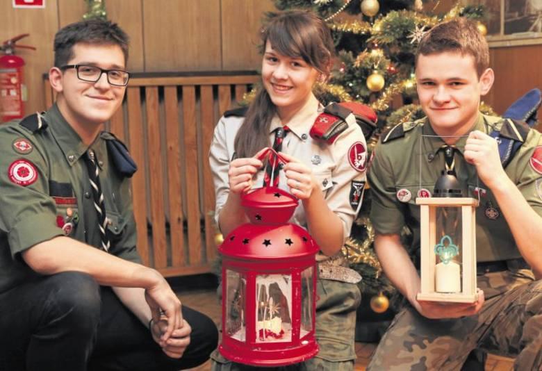 We wtorek Piotr Fiedorczuk, Justyna Juchimowicz i Dominik Sidz przekażą  światełko mieszkańcom