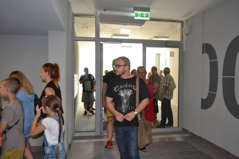 Uroczysta inauguracja: lokatorzy dostali klucze do swoich nowych mieszkań w wieżowcu Słoneczna