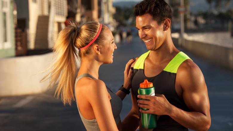 Najmodniejsze trendy w fitnessie. Co ćwiczyć, by być na czasie?