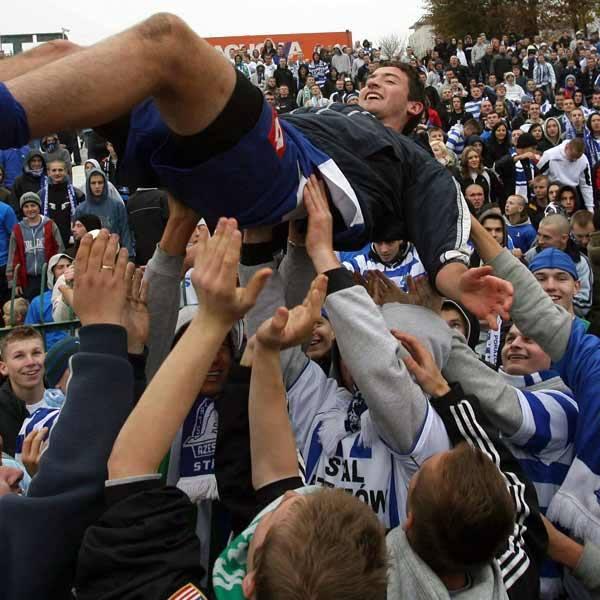 <strong>Stal Rzeszów – Resovia 1:0 (1:0)</strong><br /> <strong>Bramka</strong>: M. Jędryas 18.