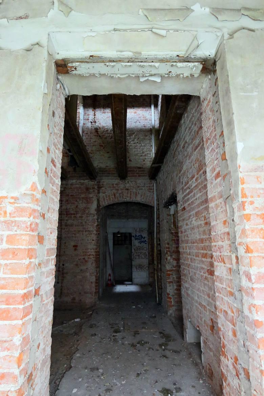 Wnętrze dawnej poradni przeciwgruźliczej przy ulicy Górnej 4.