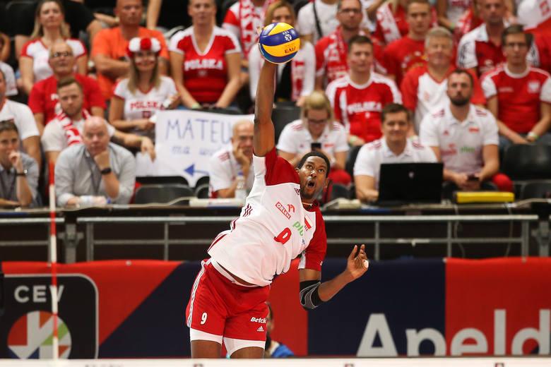 Reprezentacja Polski jak zwykle miała drobne problemy na początku meczu, ale też jak zwykle wyraźnie wygrała 3:0. Tym razem w ćwierćfinale mistrzostw