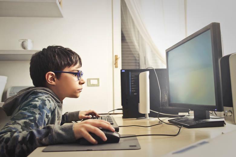 Zdalne nauczanie podczas epidemii koronawirusa. Nie wszyscy uczniowie na Pomorzu mają dostęp do internetu