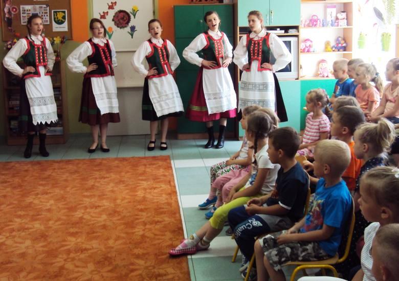 Żywa lekcja folkloru w przedszkolu w Baranowie (zdjęcia)