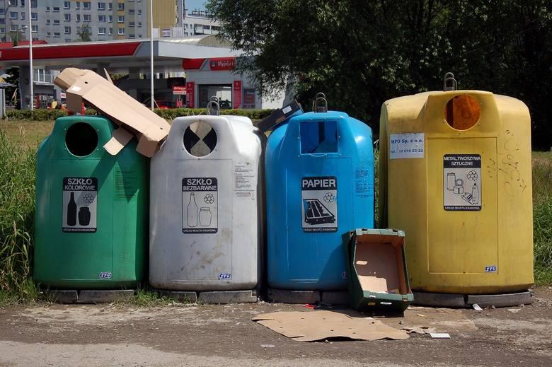 Znakomita większość Polaków segreguje odpady. Wystarczy jednak zajrzeć do kontenerów na śmieci, aby przekonać się, że nie wygląda to idealnie. Oto 10