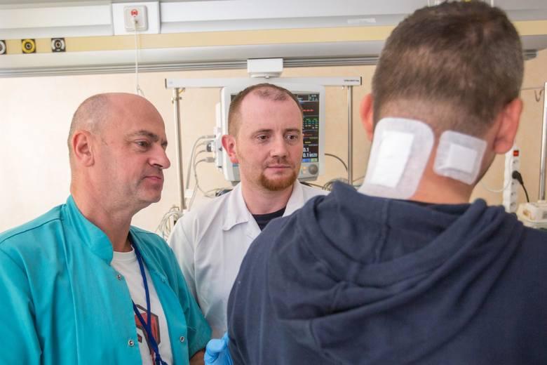 Nowatorską operację przeprowadzili dr Wojciech Wasilewski i dr Stanisław Adamski
