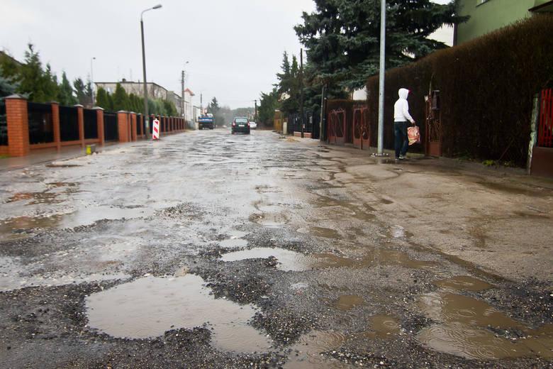 Z powodu koronawirusa prace naprawcze dróg gruntowych w Bydgoszczy są spóźnione. Ale nie tylko z powodu wirusa