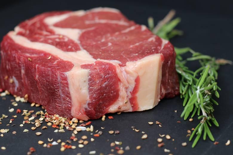 Czerwone mięso nam nie szkodzi? W tych badaniach wzięli udział naukowcy z UJ