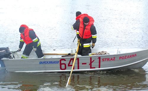 Środa 5 stycznia. Strażacy poszukują w Bugu ciała zabitego Marcina