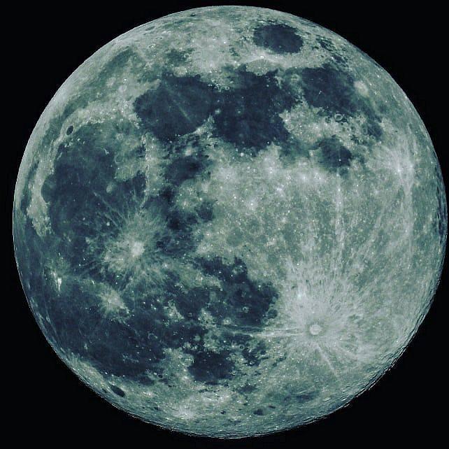 Zdjęcie nadesłane przez Tomasza Dudę.Więcej zdjęć Księżyca w pełni na profilu facebookowym Pana Tomasza (kliknij, żeby przejść)