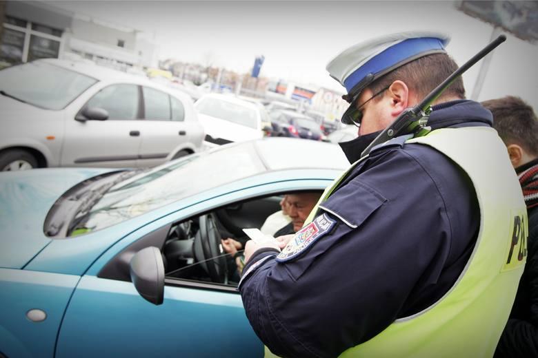 Prawo jazdy zabiorą ci za przekroczenie prędkości o 50 km/h nawet jak nie przyjmiesz mandatu. NSA orzekł wbrew opinii RPO ws. prawa jazdy